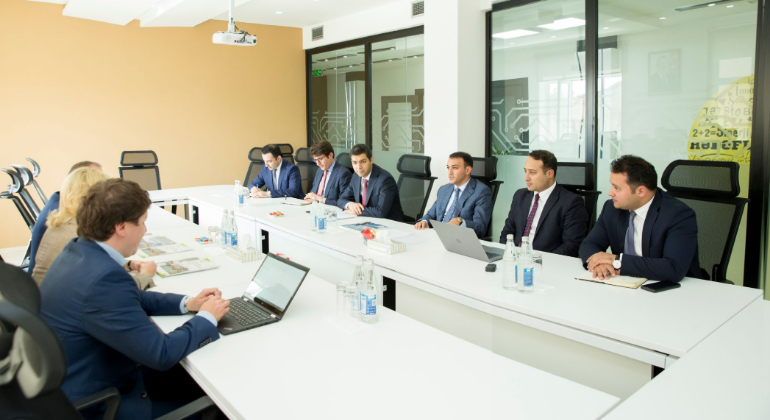 "The Chairman of the State Agency met with the vice president of ""SAP SE"""